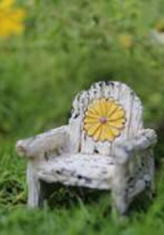 Itty Bitty Daisy Chair